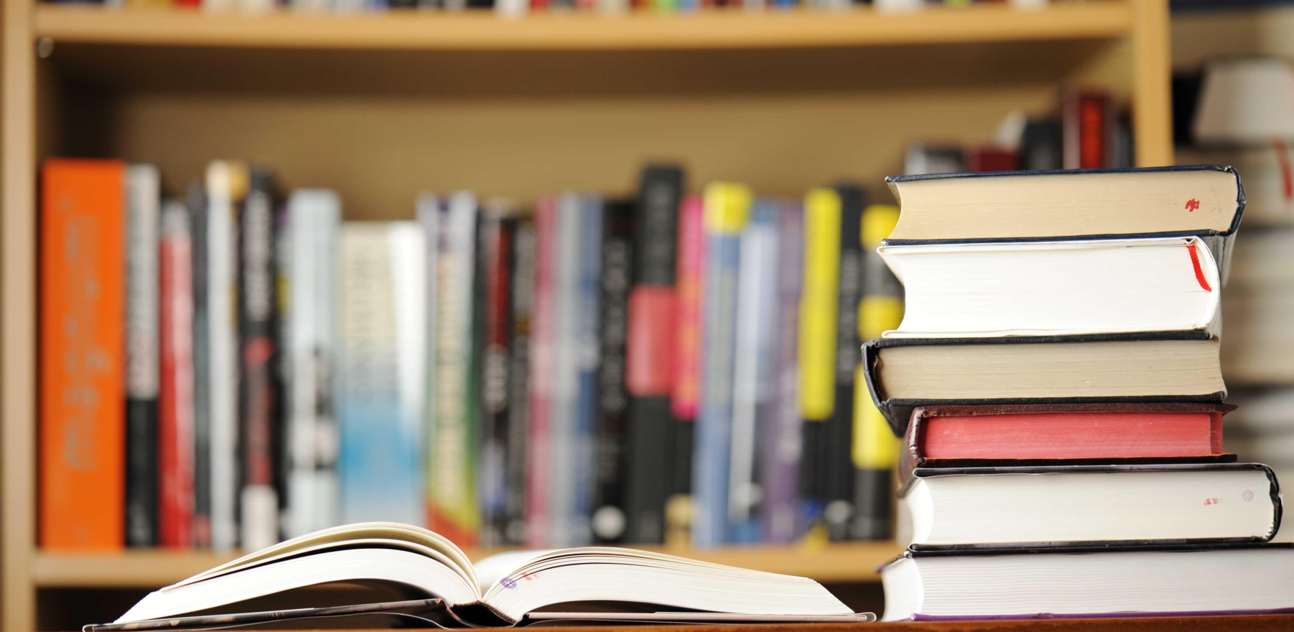 كتابة أبحاث وكتب متخصصة