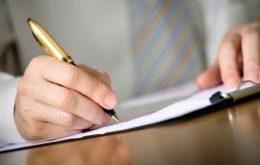 أهم المبادئ والأسس في كتابة مقال أدبي